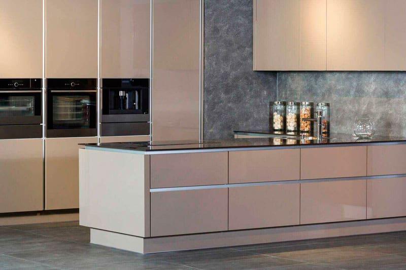 escoger muebles altos para la cocina de tu casa