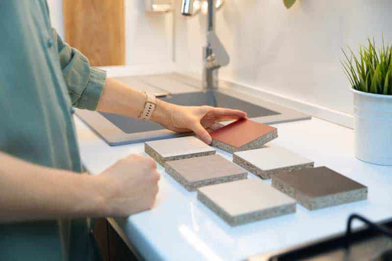 tendencias en materiales para muebles de cocina
