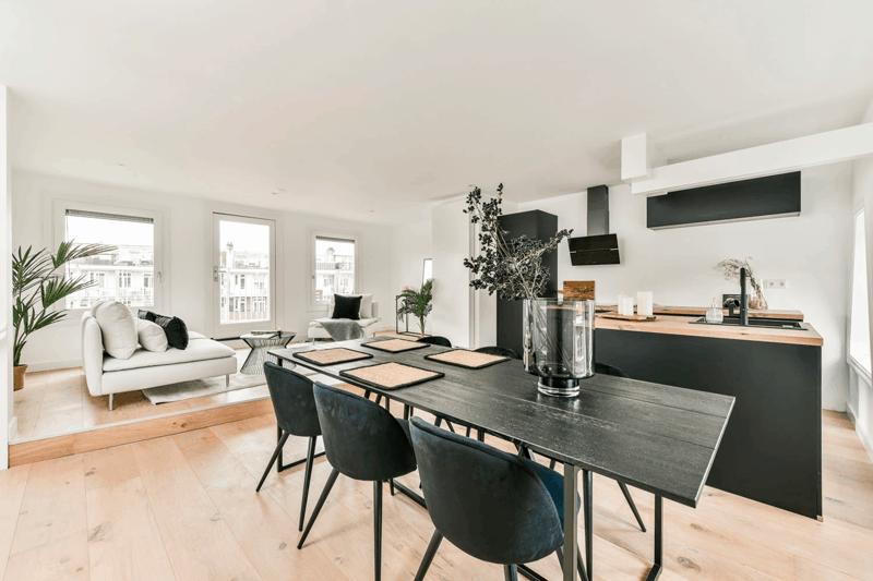 Integrar la cocina y el salón en un mismo espacio